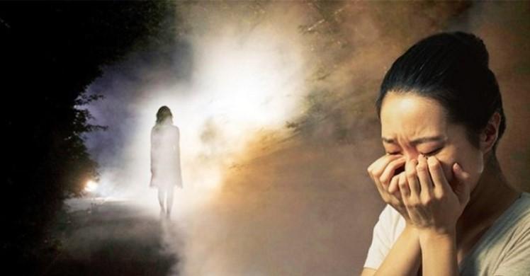 Giấc mơ liên quan đến người chết thường cho thấy những vất vả, khó khăn mà chủ nhân của giấc mơ gặp phải